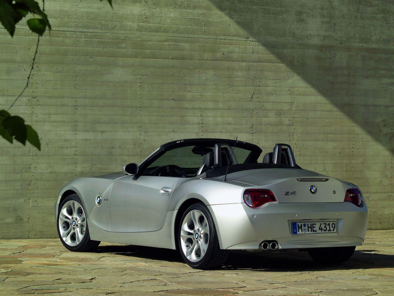 bmw z4 2003 2008 occasion video aankoopadvies. Black Bedroom Furniture Sets. Home Design Ideas
