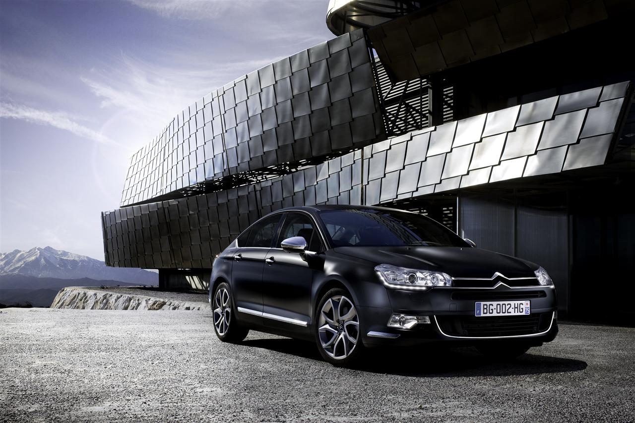 citroen presenteert matzwarte ds3 en c5. Black Bedroom Furniture Sets. Home Design Ideas