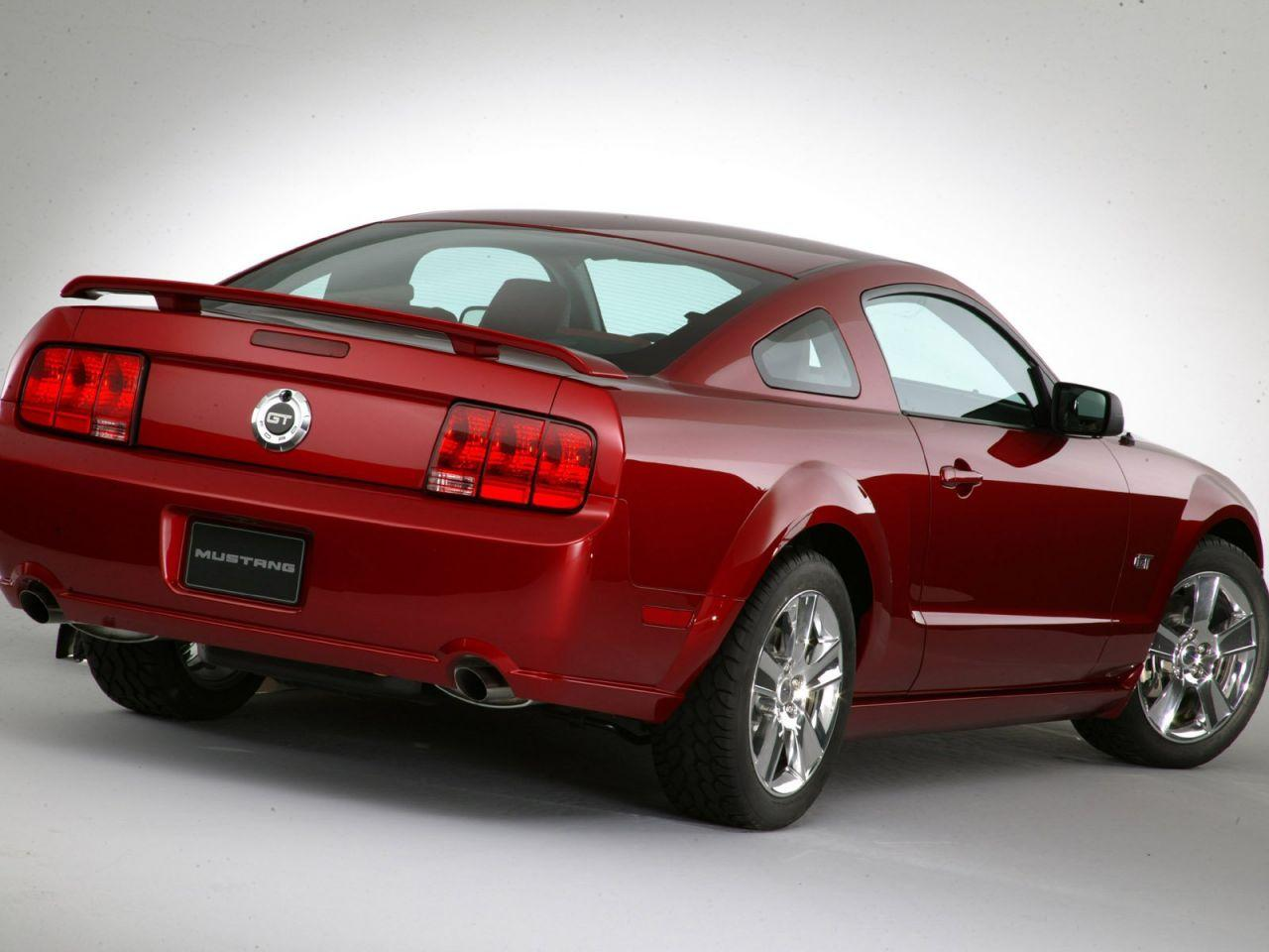 ford mustang 2005 2014 occasion video aankoopadvies. Black Bedroom Furniture Sets. Home Design Ideas