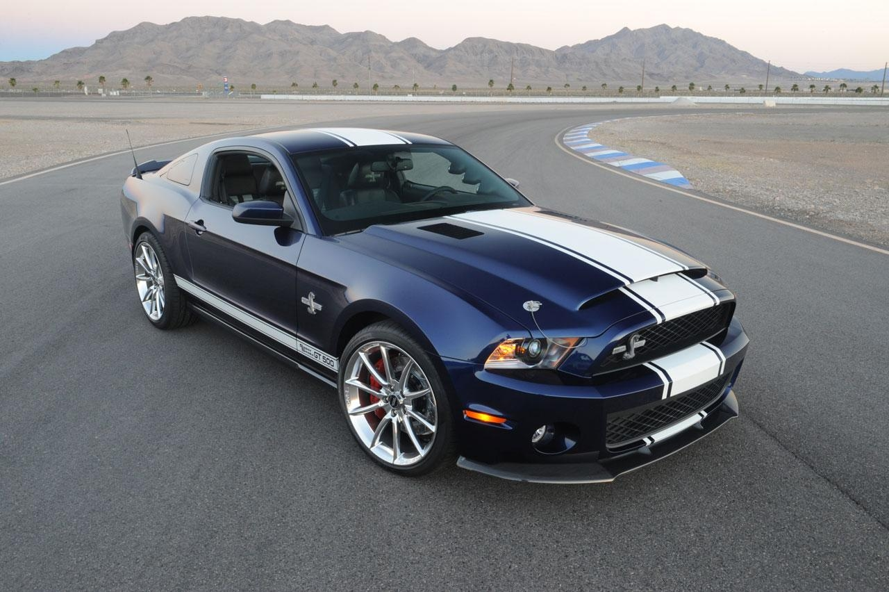 shelby gt500 super snake nu met 811 pk. Black Bedroom Furniture Sets. Home Design Ideas