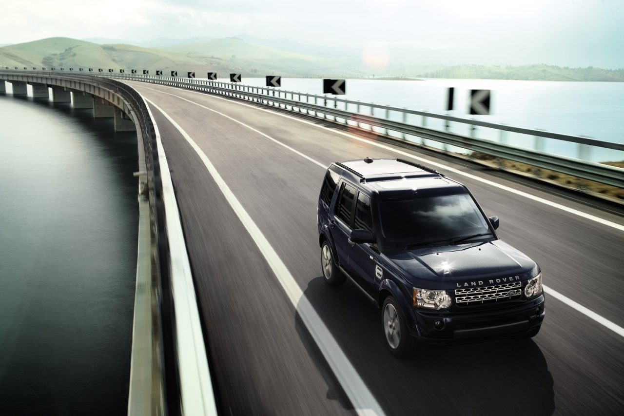 land rover discovery 3 4 occasion video aankoopadvies. Black Bedroom Furniture Sets. Home Design Ideas