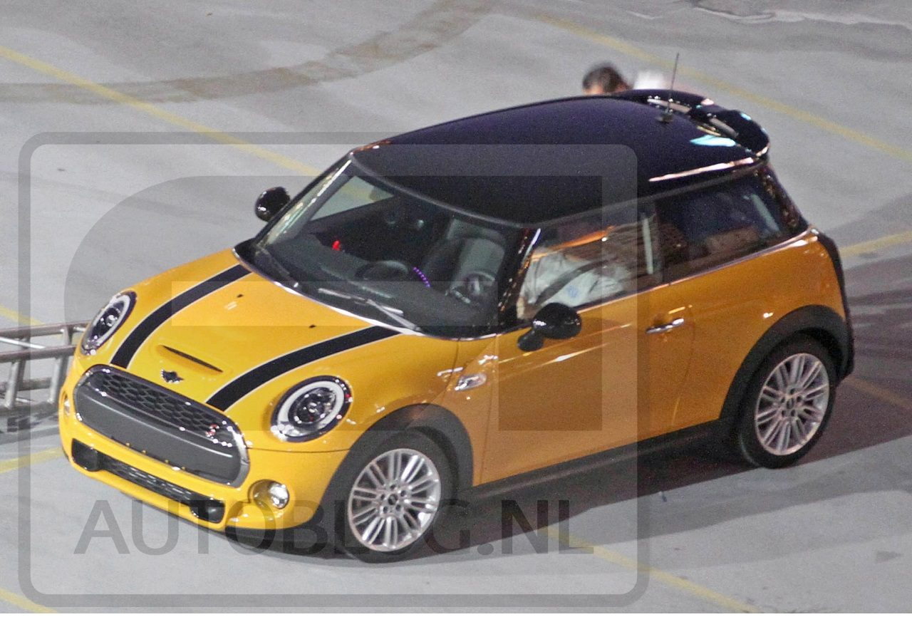 interieur nieuwe mini cooper gespot in china. Black Bedroom Furniture Sets. Home Design Ideas