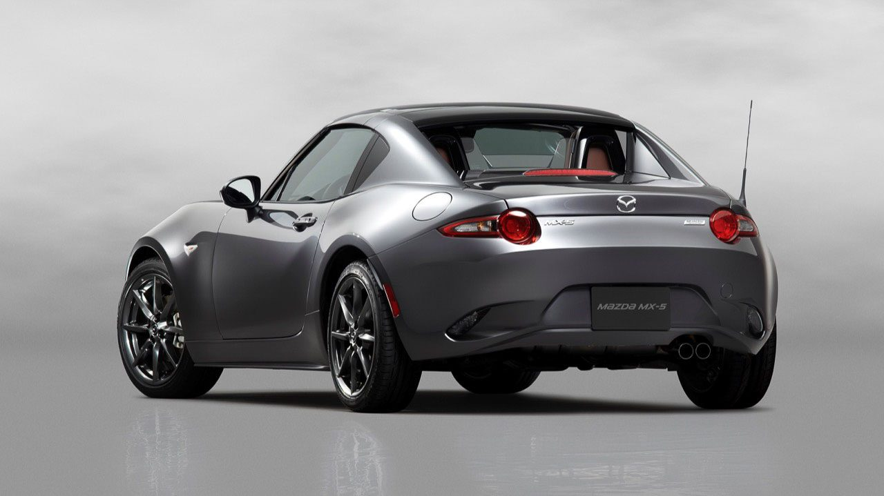 de nieuwe mazda mx 5 rf heeft een klapdak. Black Bedroom Furniture Sets. Home Design Ideas