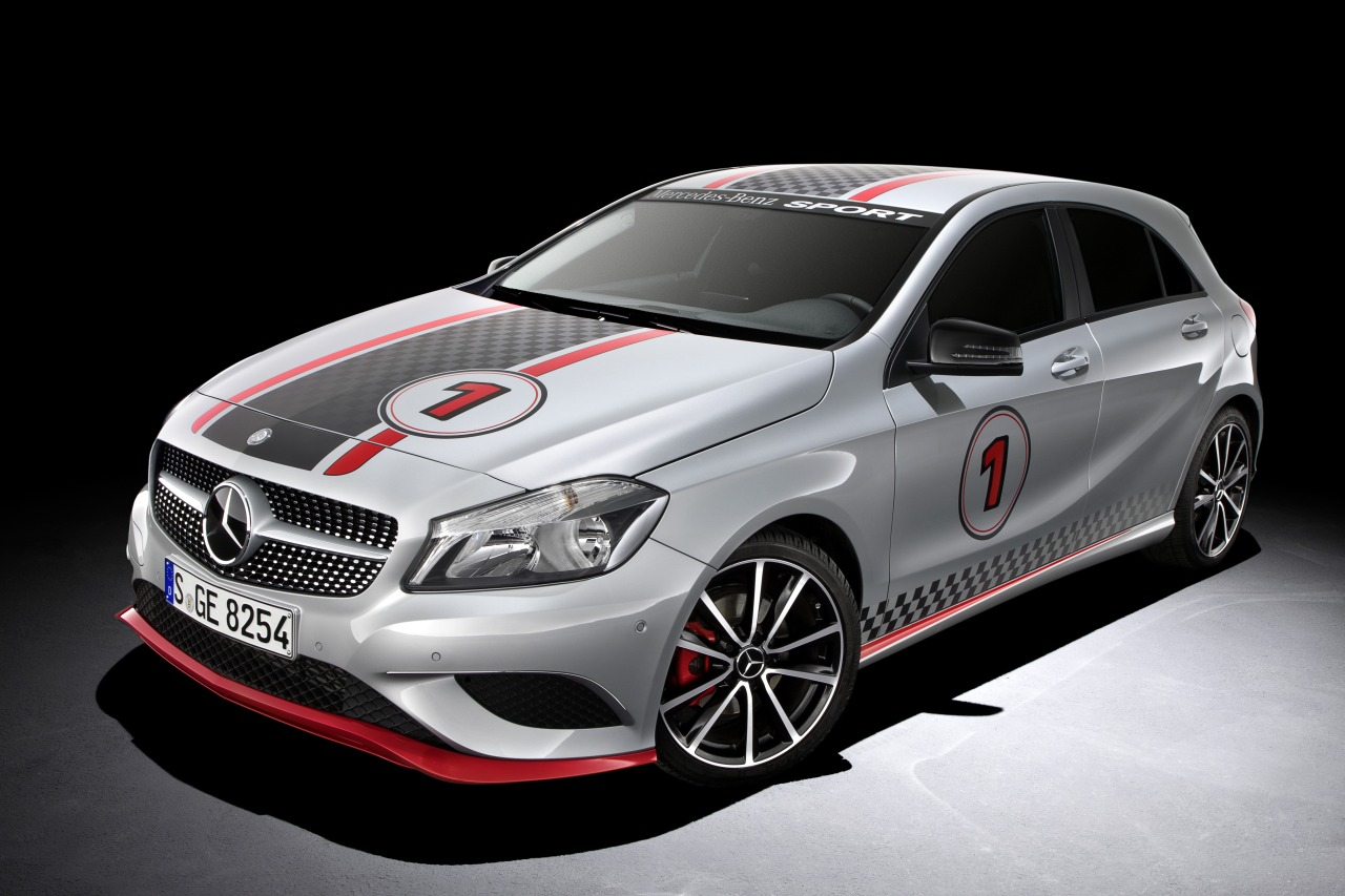 Foto mercedes a180 mercedes benz sport mercedes sport for Sports car mercedes benz