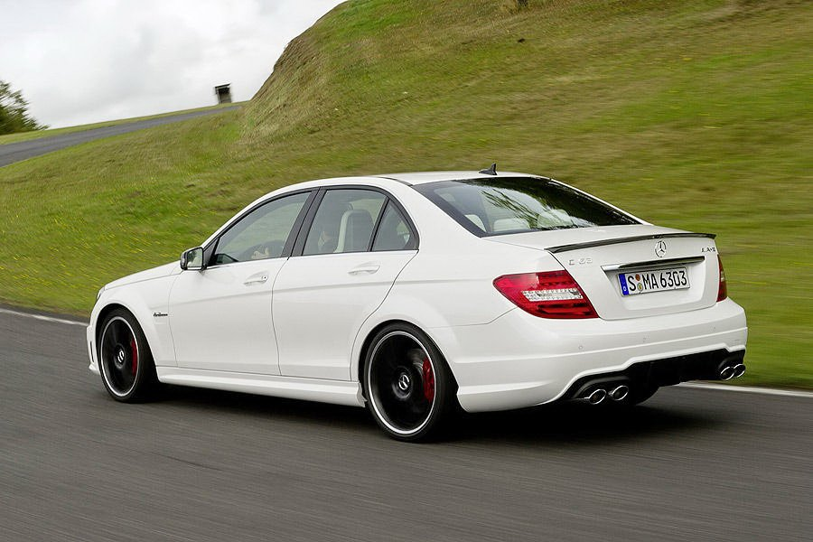 mercedes c63 amg 2011 afbeeldingen. Black Bedroom Furniture Sets. Home Design Ideas
