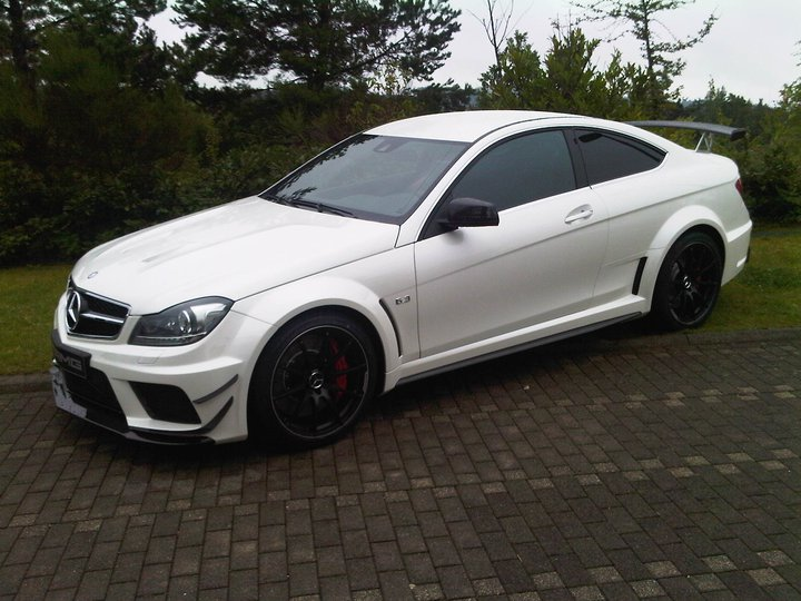 mercedes c63 amg coupe black series track package afbeeldingen. Black Bedroom Furniture Sets. Home Design Ideas