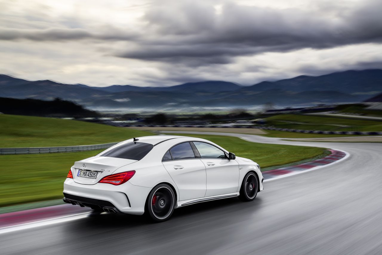 foto mercedes cla 45 amg mercedes cla 45 amg 8. Black Bedroom Furniture Sets. Home Design Ideas