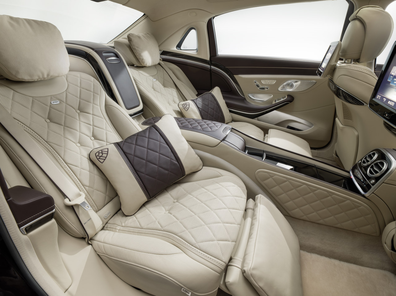 foto mercedes mercedes maybach s klasse mercedes maybach s klasse 2015 038. Black Bedroom Furniture Sets. Home Design Ideas
