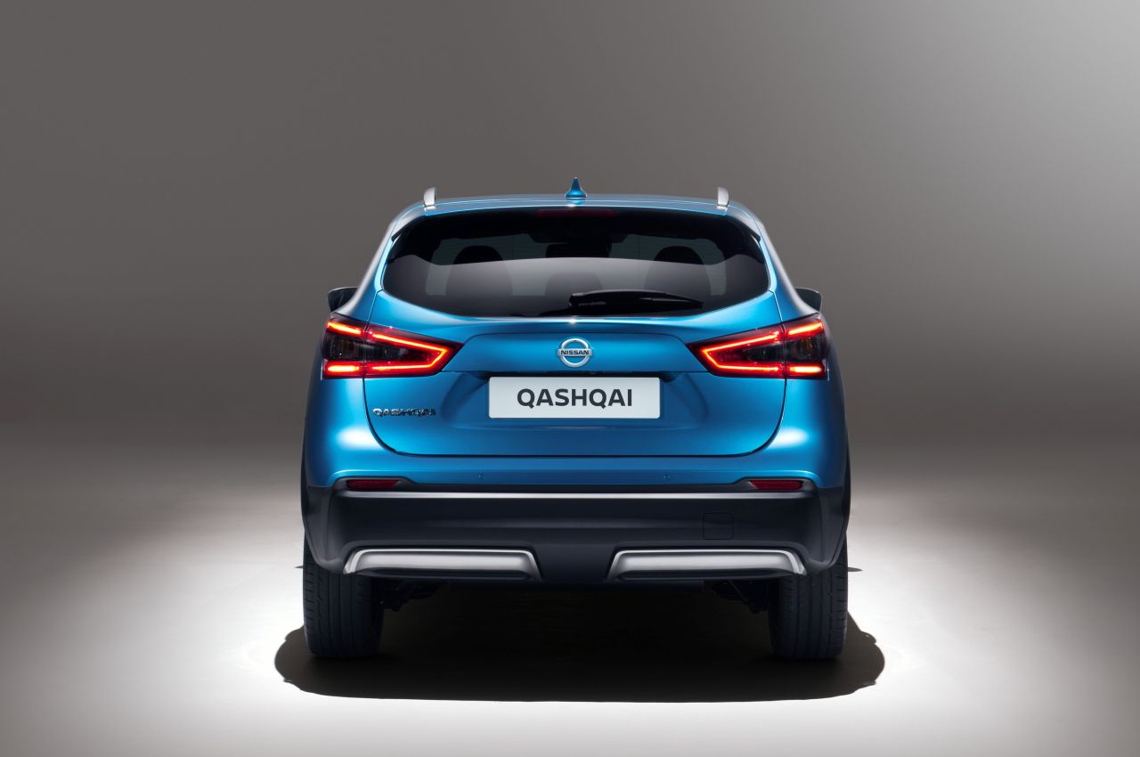 nissan qashqai facelift oogt lekker fris. Black Bedroom Furniture Sets. Home Design Ideas