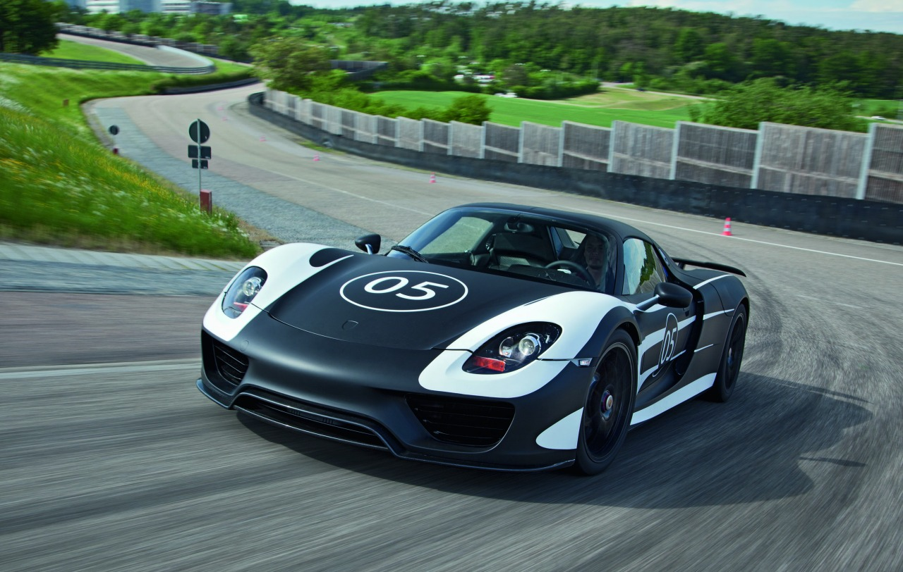 foto porsche 918 spyder mule mei 2012 porsche 918 spyder concept 01. Black Bedroom Furniture Sets. Home Design Ideas