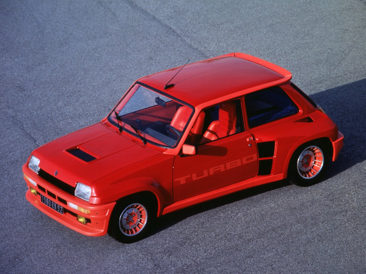 renault 5 turbo youngtimer in beeld. Black Bedroom Furniture Sets. Home Design Ideas