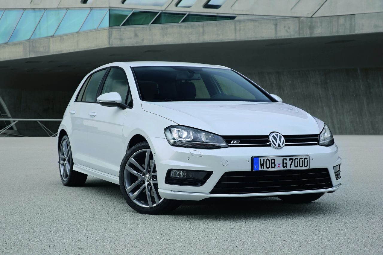 volkswagen golf vii r line afbeeldingen. Black Bedroom Furniture Sets. Home Design Ideas