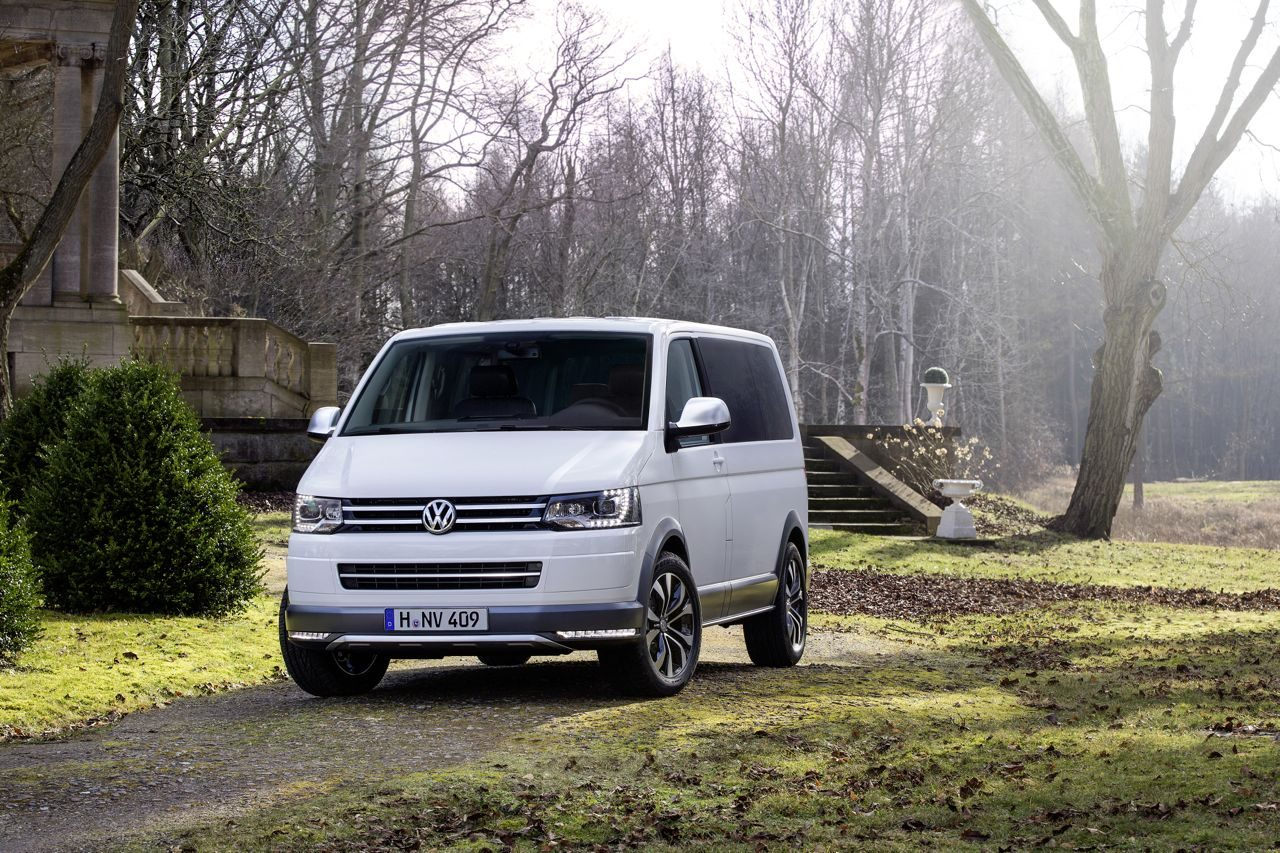 vw multivan alltrack voor luxe offroaden in een busje. Black Bedroom Furniture Sets. Home Design Ideas