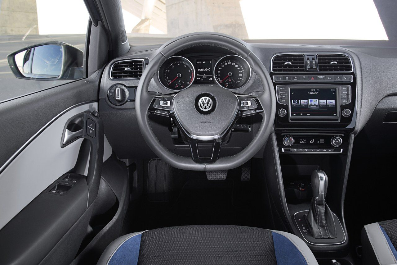 volkswagen polo heeft een facelift gekregen. Black Bedroom Furniture Sets. Home Design Ideas