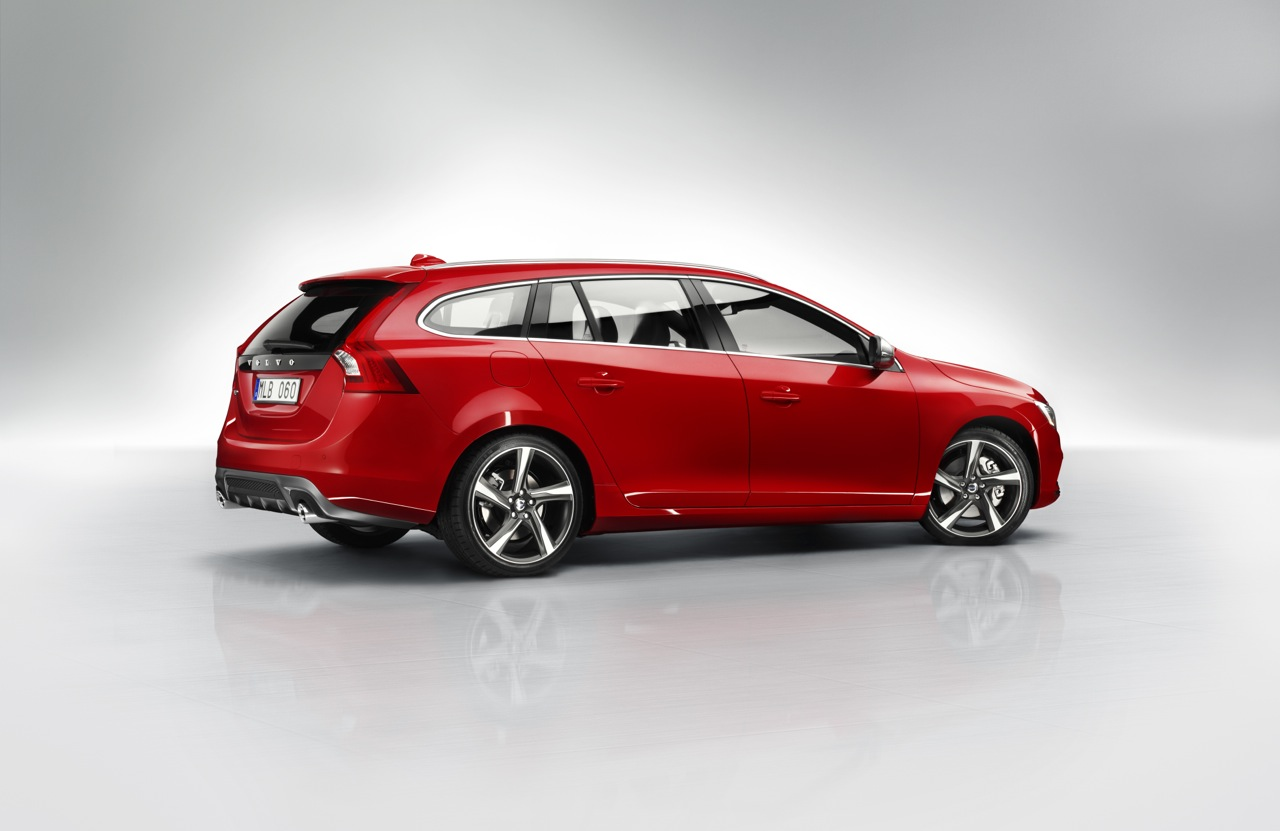 foto volvo v60 r design 2014 volvo v60 r design 2014 002. Black Bedroom Furniture Sets. Home Design Ideas
